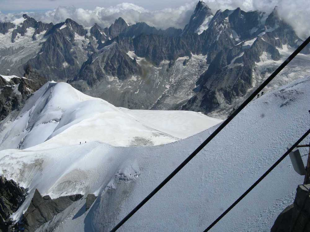 Salita del monte bianco per la via normale francese for Cabine di cresta antler